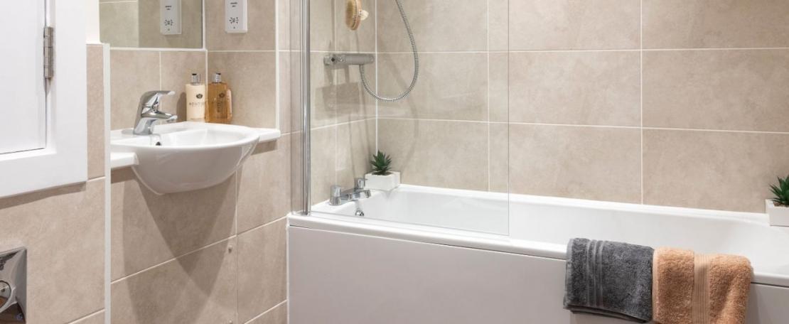 So Resi Bleriot Gate Bathroom